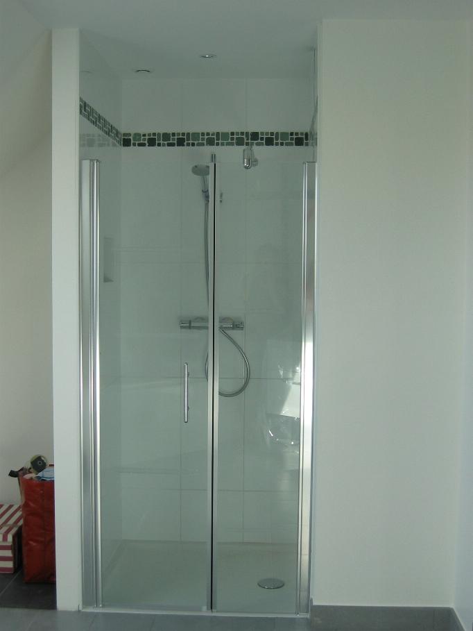 Porte de douche pour douche italienne 23 messages page 2 for Quel revetement pour douche italienne