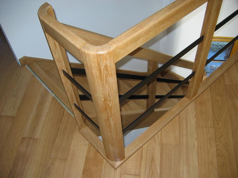 escalier qui d passe 20 messages. Black Bedroom Furniture Sets. Home Design Ideas