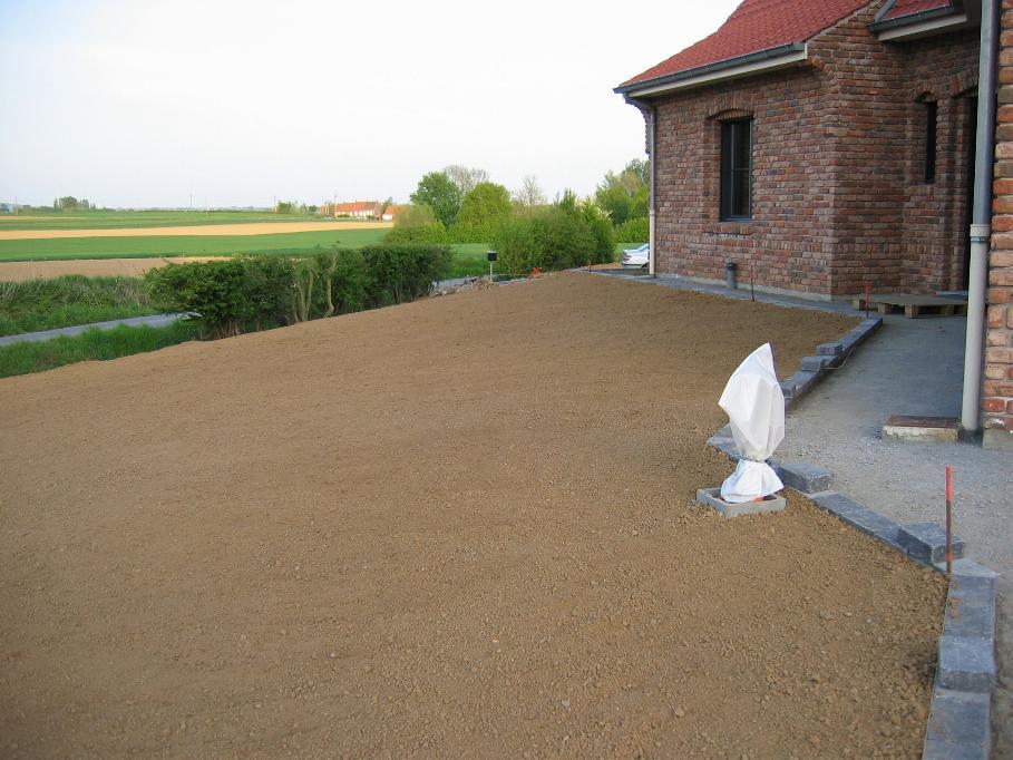 Pr paration du terrain pour semer du gazon en septembre for Combien demander pour tondre la pelouse